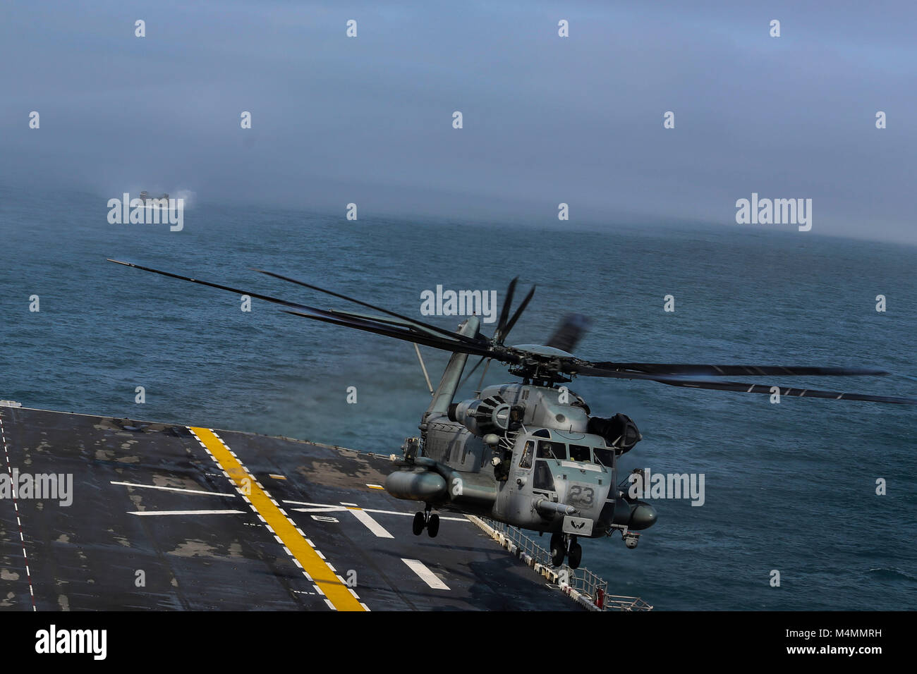 A U.S. Marine Corps CH-53E Super Stallion with Marine Medium Tiltrotor Squadron (VMM) 162 (Reinforced), 26th Marine - Stock Image