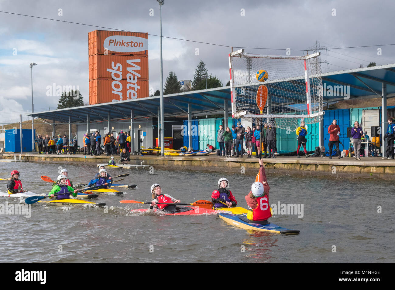Glasgow, Scotland. 17th Feb, 2018. uk weather - freezing cold water on a grey day in Glasgow doesn't deter competitors - Stock Image