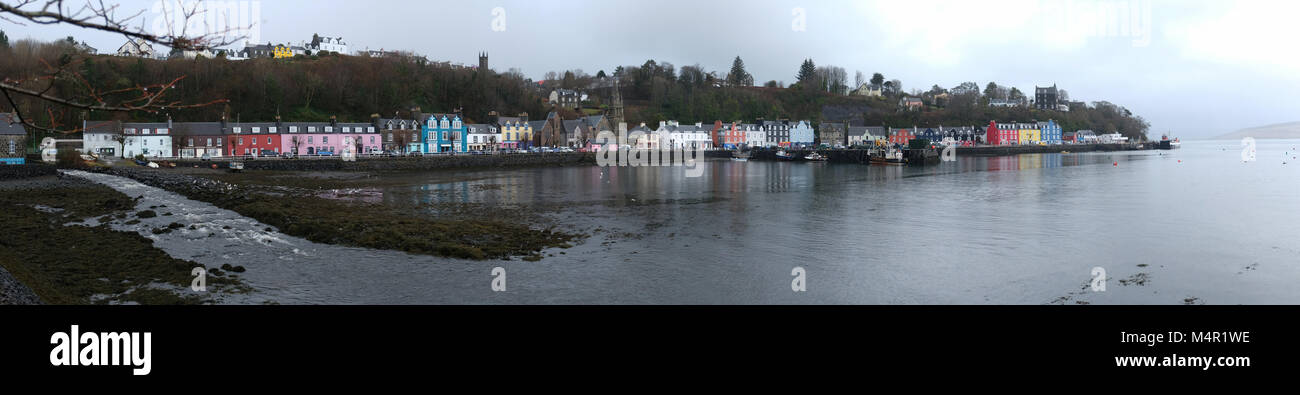 Panoramic view of Tobermory harbour, Isle of Mull, Inner Hebrides, Argyll and Bute, Scotland. - Stock Image