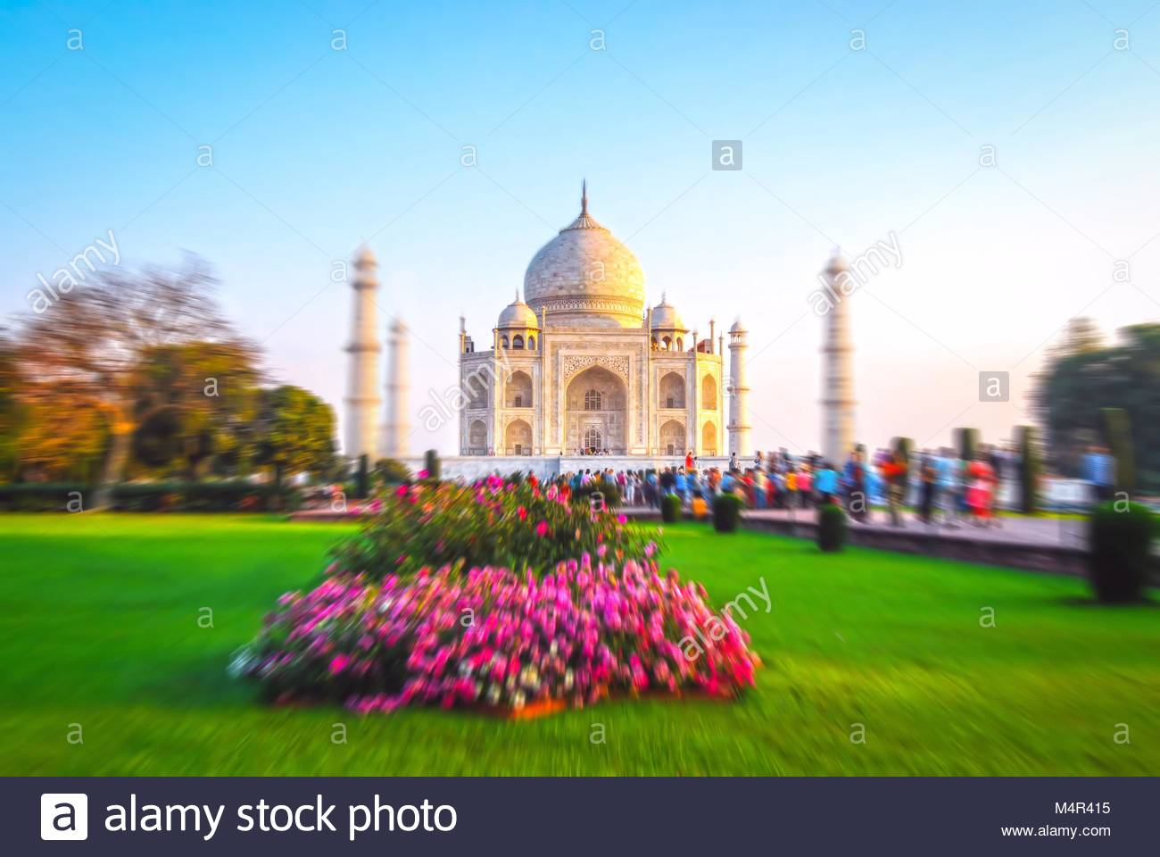 The Taj Mahal is an ivory-white marble mausoleum on the south bank of the Yamuna river in the Indian city of Agra. - Stock Image