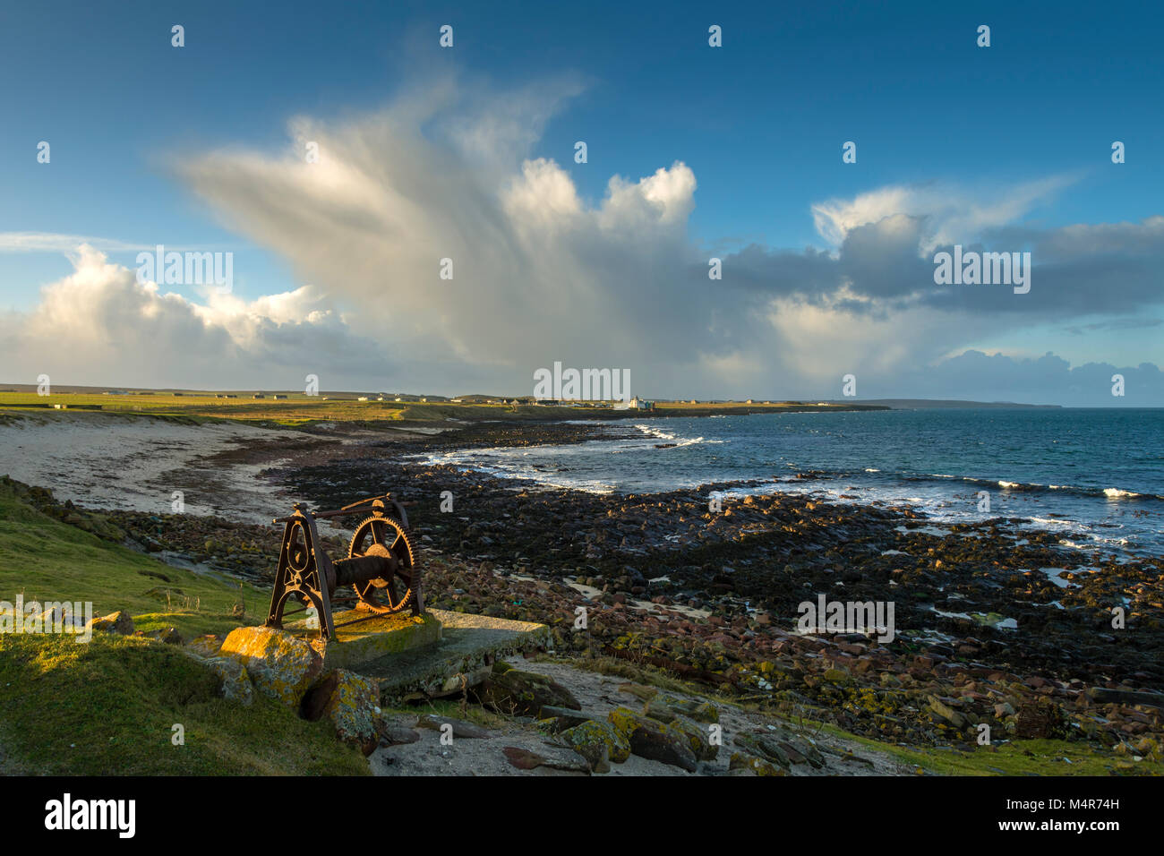 Rusted old boat winch at the Ness of Duncansby, between John o'Groats and Duncansby Head, Caithness, Scotland, - Stock Image
