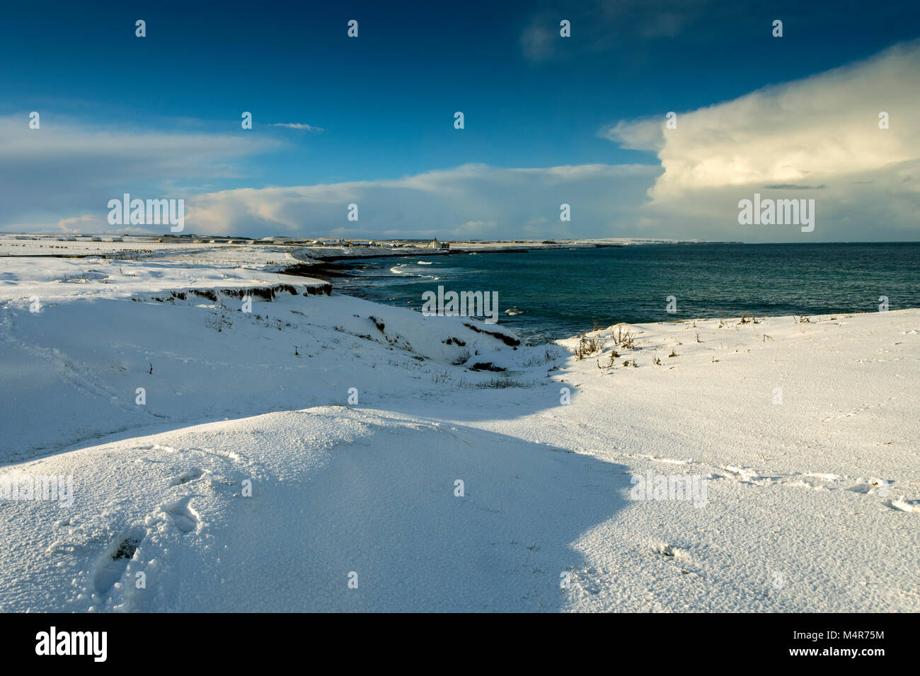 John o'Groats from the Ness of Duncansby, between John o'Groats and Duncansby Head, Caithness, Scotland, - Stock Image