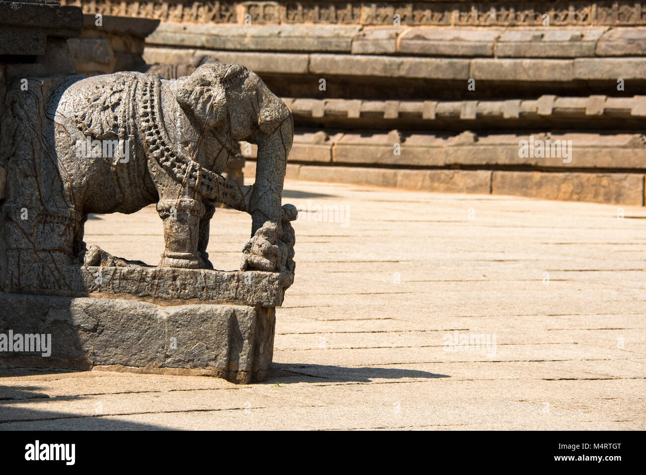 Temple idols stock photos images alamy