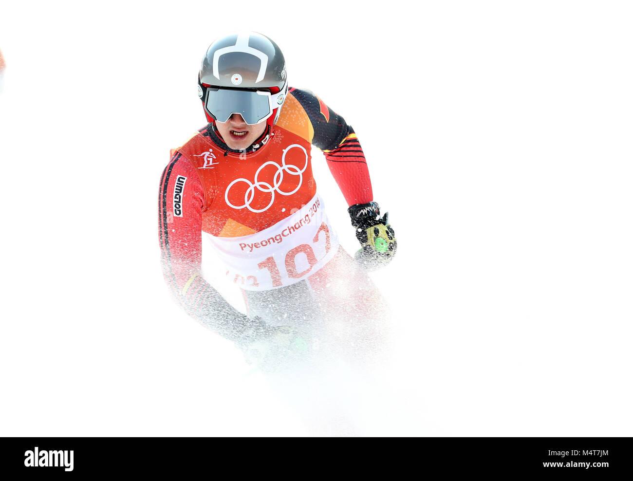Pyeongchang, South Korea. 18th Feb, 2018. Zhang Yangming of China competes during the men's giant slalom of alpine Stock Photo