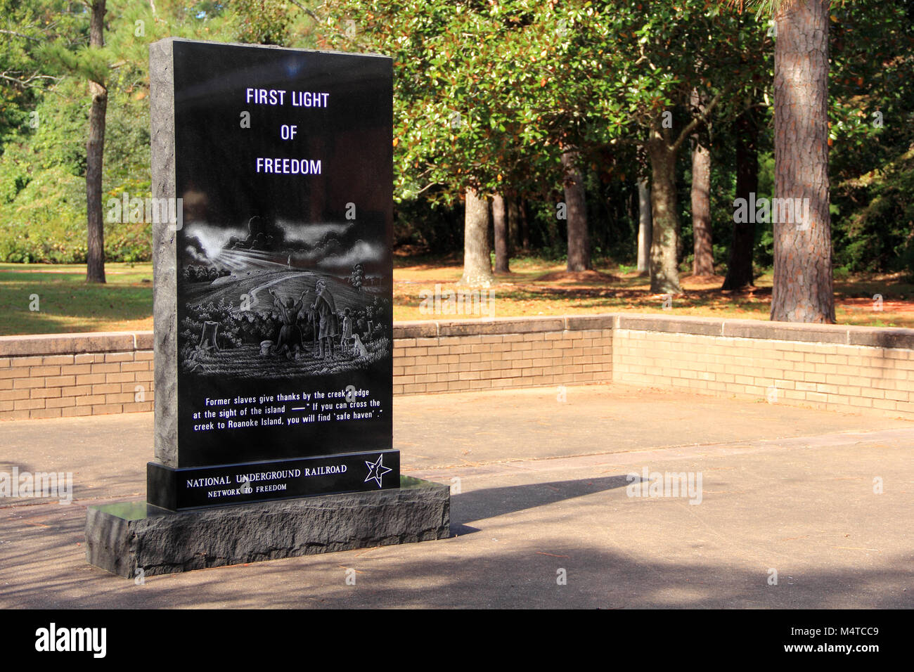 The Freedmen's Colony Monument memorializes African American history at the Fort Raleigh National Historic Site Stock Photo