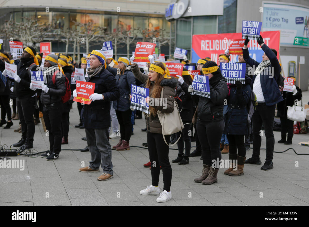 Frankfurt, Germany. 17th Feb, 2018. Sympathisers of the Human Rights Association for Forced holds up signs that Stock Photo