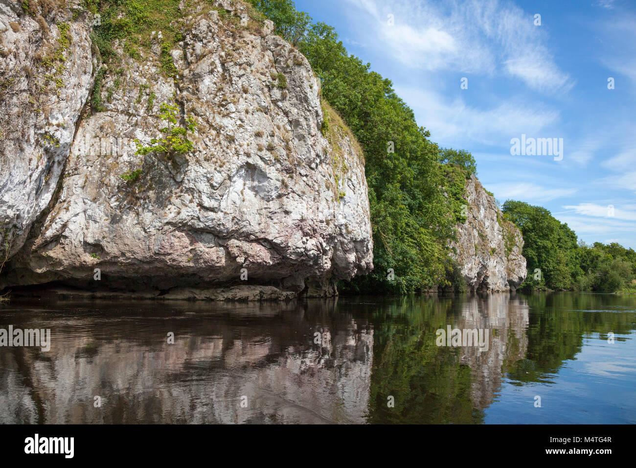 Limestone cliffs along the Blackwater River, Mallow, County Cork, Ireland. - Stock Image