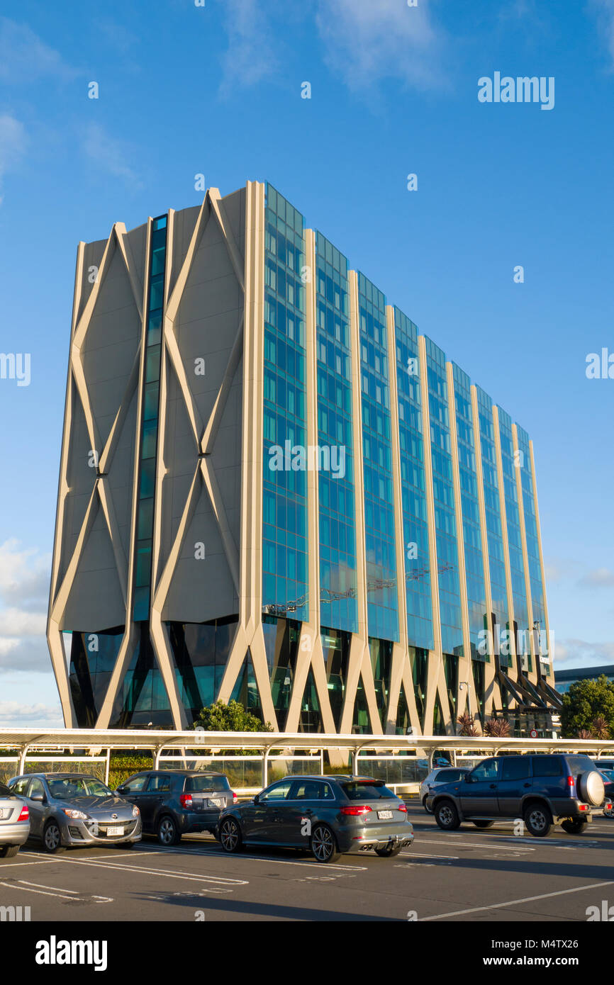 Novotel Auckland Airport hotel directly outside international terminal building, Auckland, New Zealand - Stock Image