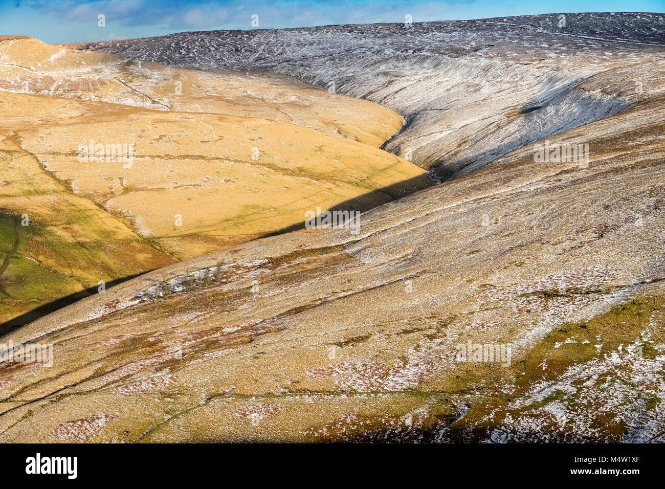 Peak District moorland in winter, Kinder Scout - Stock Image