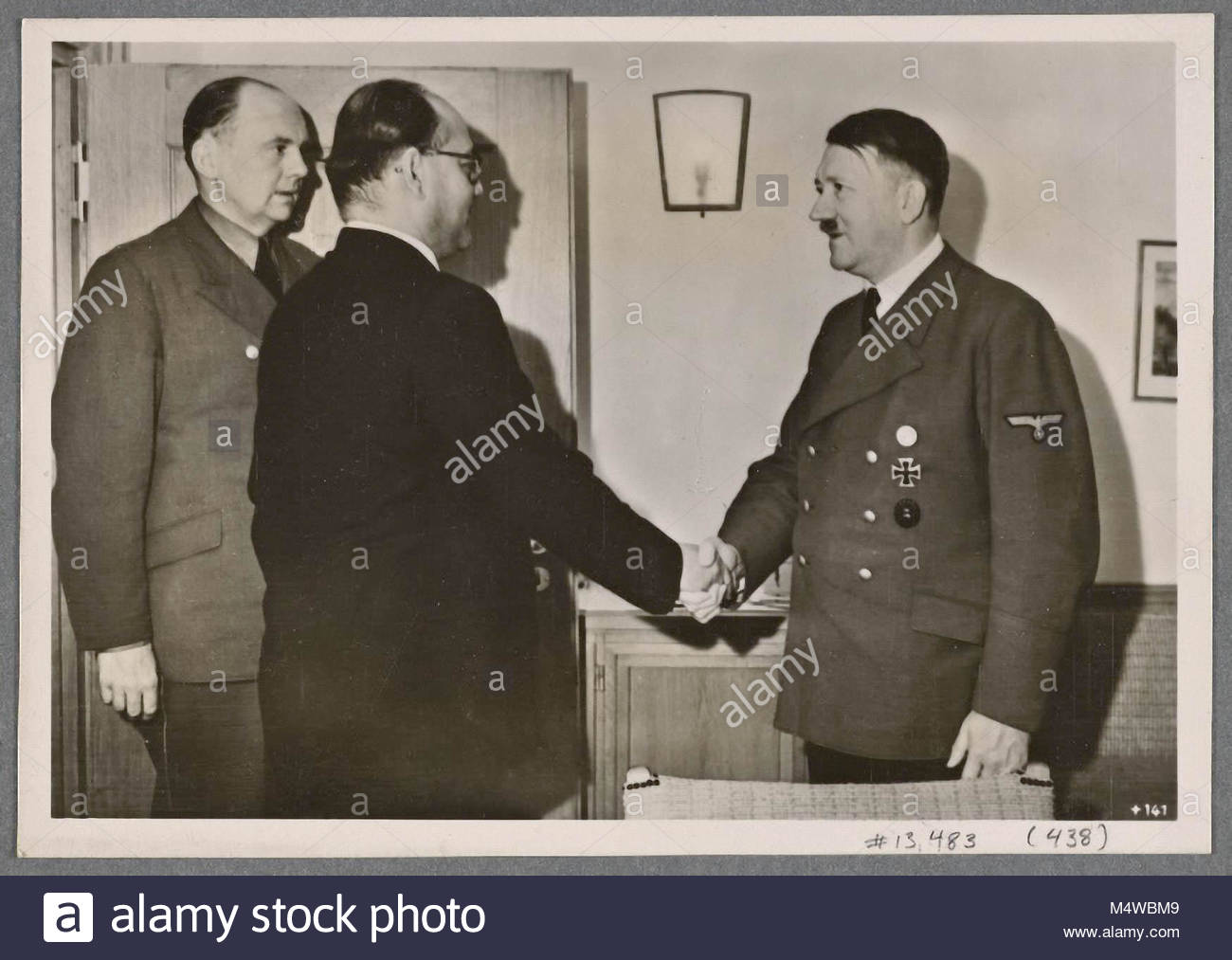 At his headquarters and in the presence of the Reich Foreign Minister the Fuhrer received the champion of the Indian - Stock Image