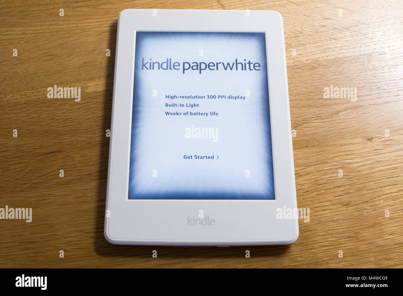 Kindle Reader Stock Photos & Kindle Reader Stock Images - Alamy