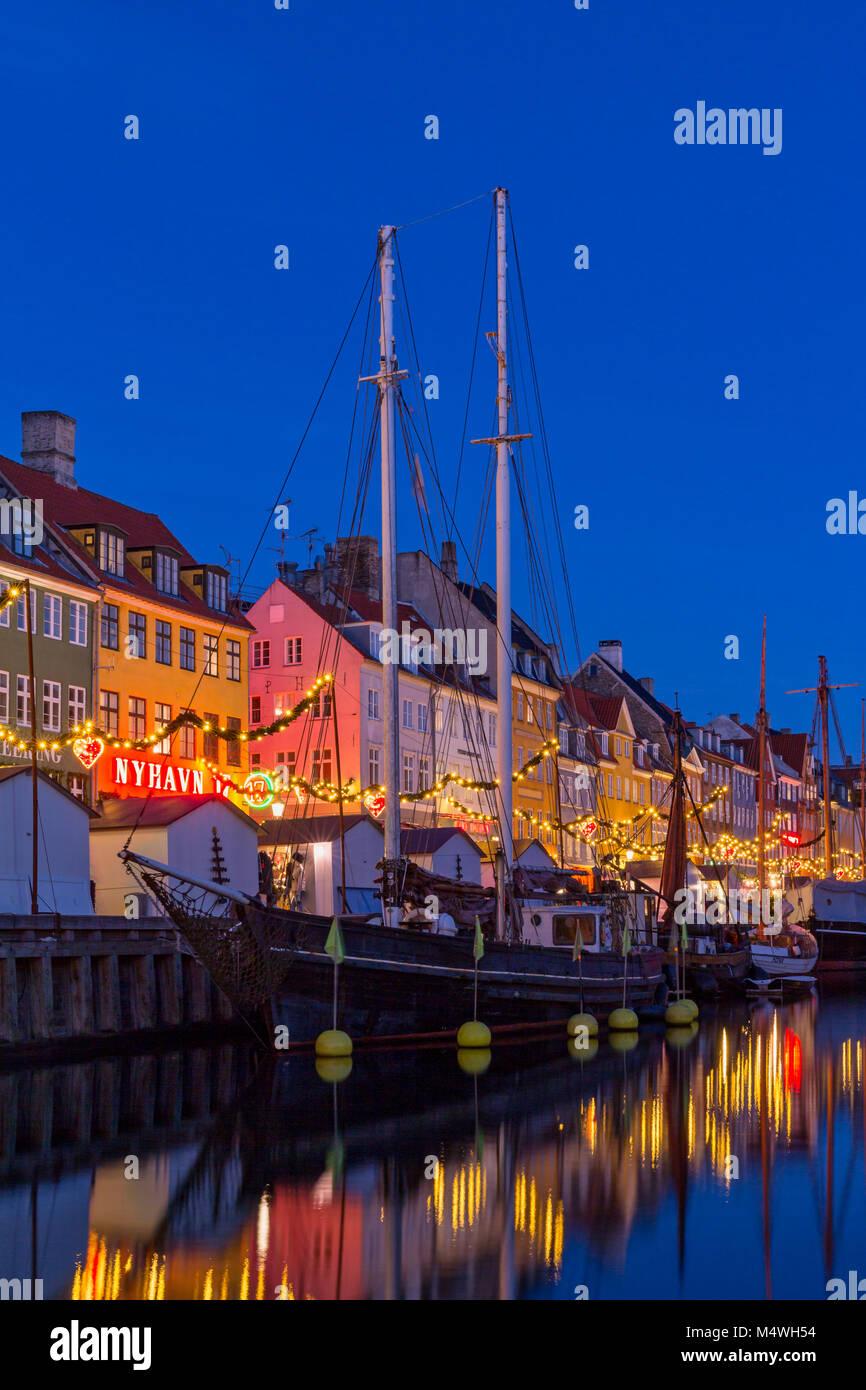 Christmas market along Nyhavn canal, Copenhagen, Denmark - Stock Image