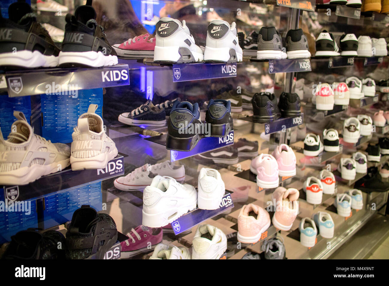 jd girls trainers sale