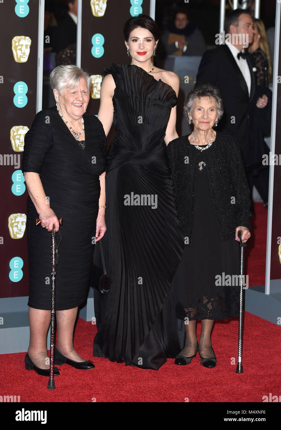 Photo Must Be Credited ©Alpha Press 079965 18/02/2018 Gemma Arterton with Eileen Pullen and Gwen Davis EE Bafta - Stock Image