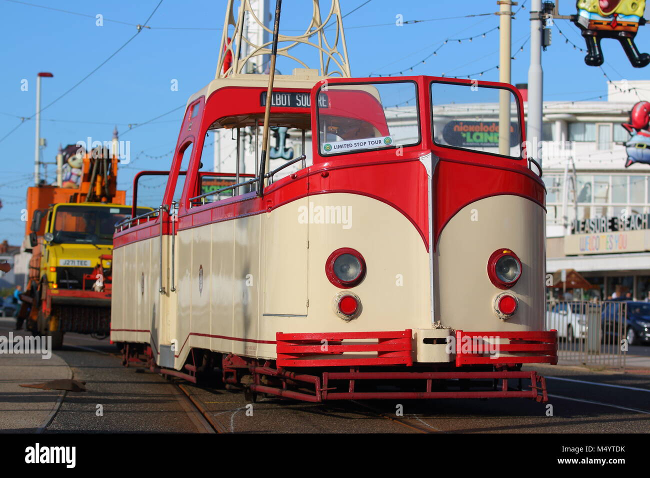 A tram becomes derailed on the famous golden mile in Blackpool - Stock Image