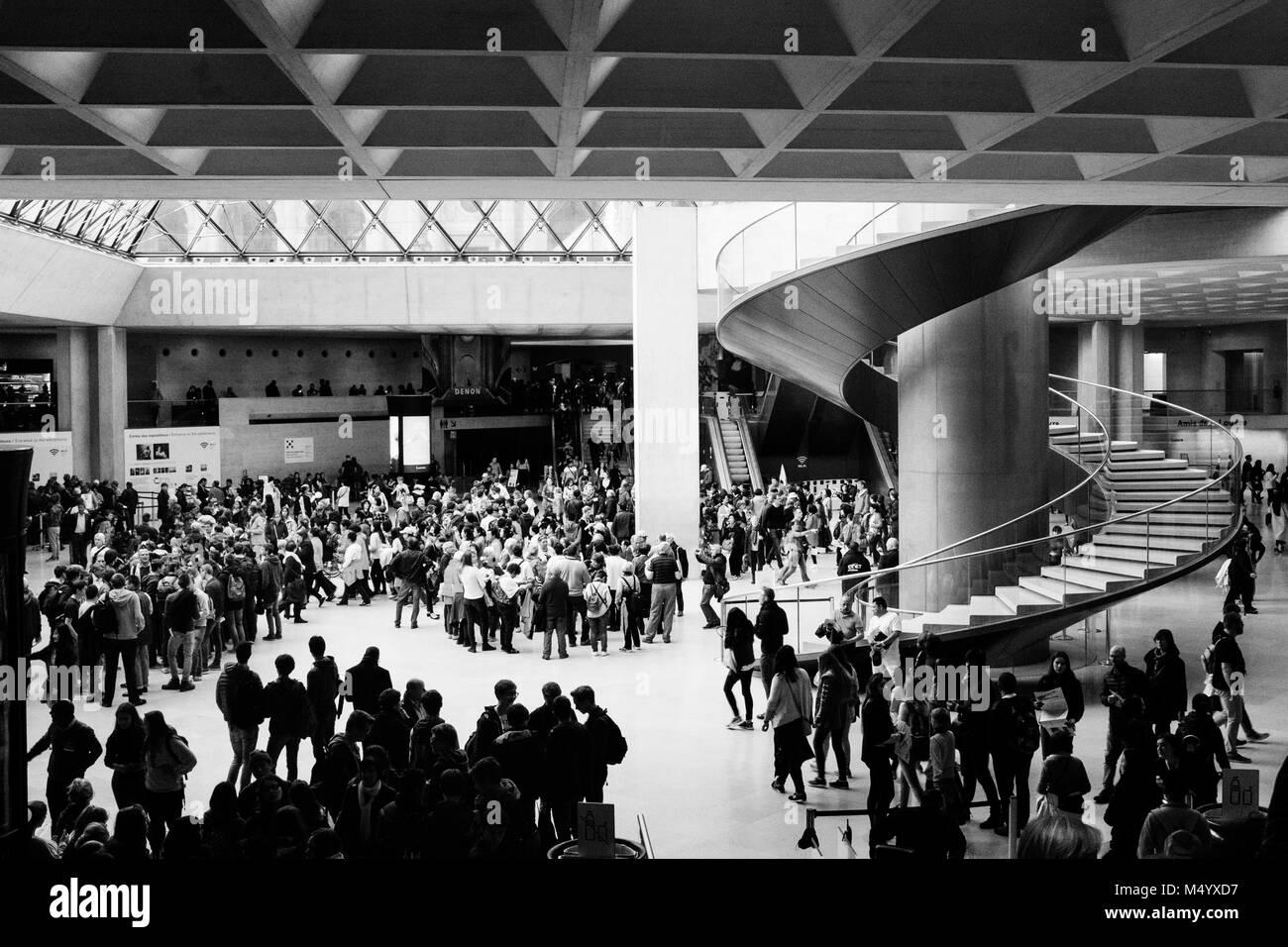 Crowds at Louvre museum, Paris, Ile-De-France, France - Stock Image