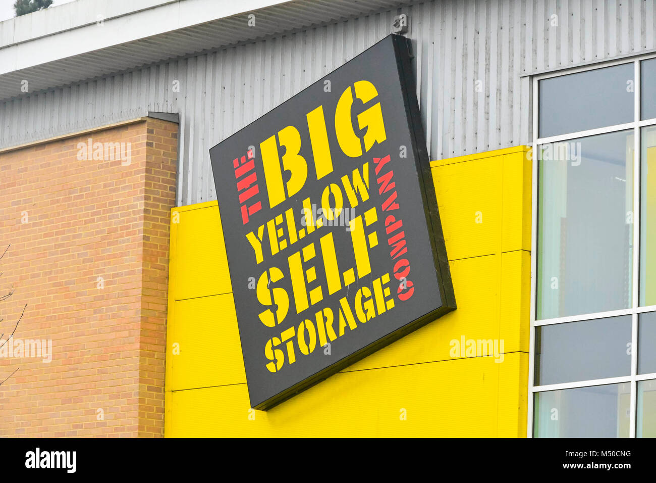big yellow storage uk stock photos big yellow storage uk stock images alamy. Black Bedroom Furniture Sets. Home Design Ideas