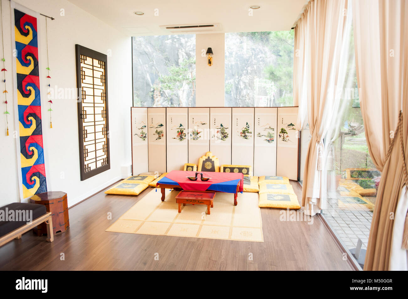 Traditional Korean Home Interior High Resolution Stock Photography And Images Alamy
