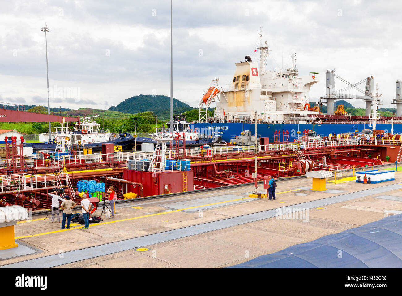 Tv troupe and photographer at Panama canal - Stock Image