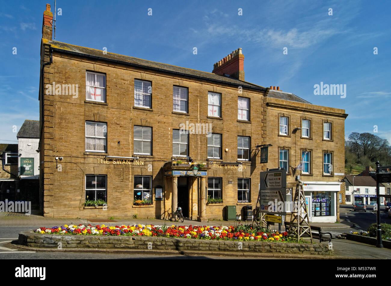 UK,Somerset,Crewkerne,Swan Inn - Stock Image