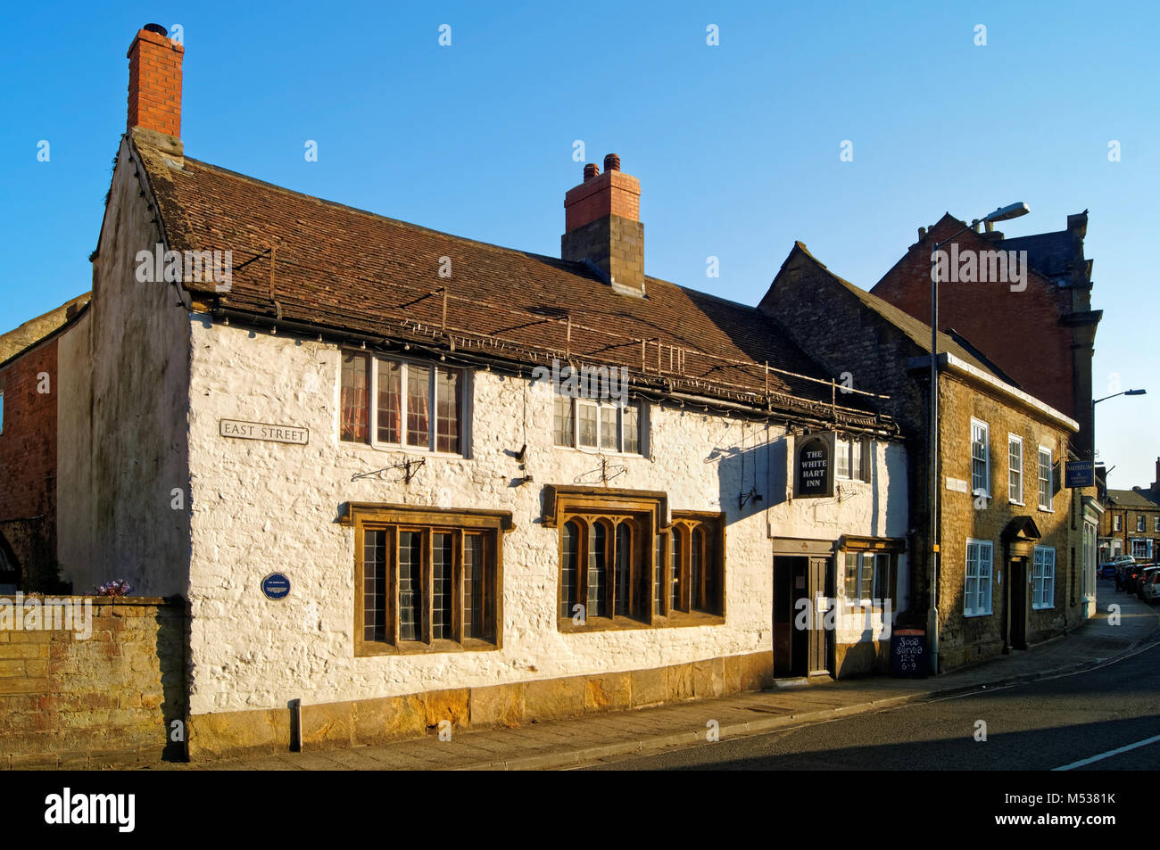 UK,Somerset,Crewkerne,White Hart Inn & Town Museum - Stock Image
