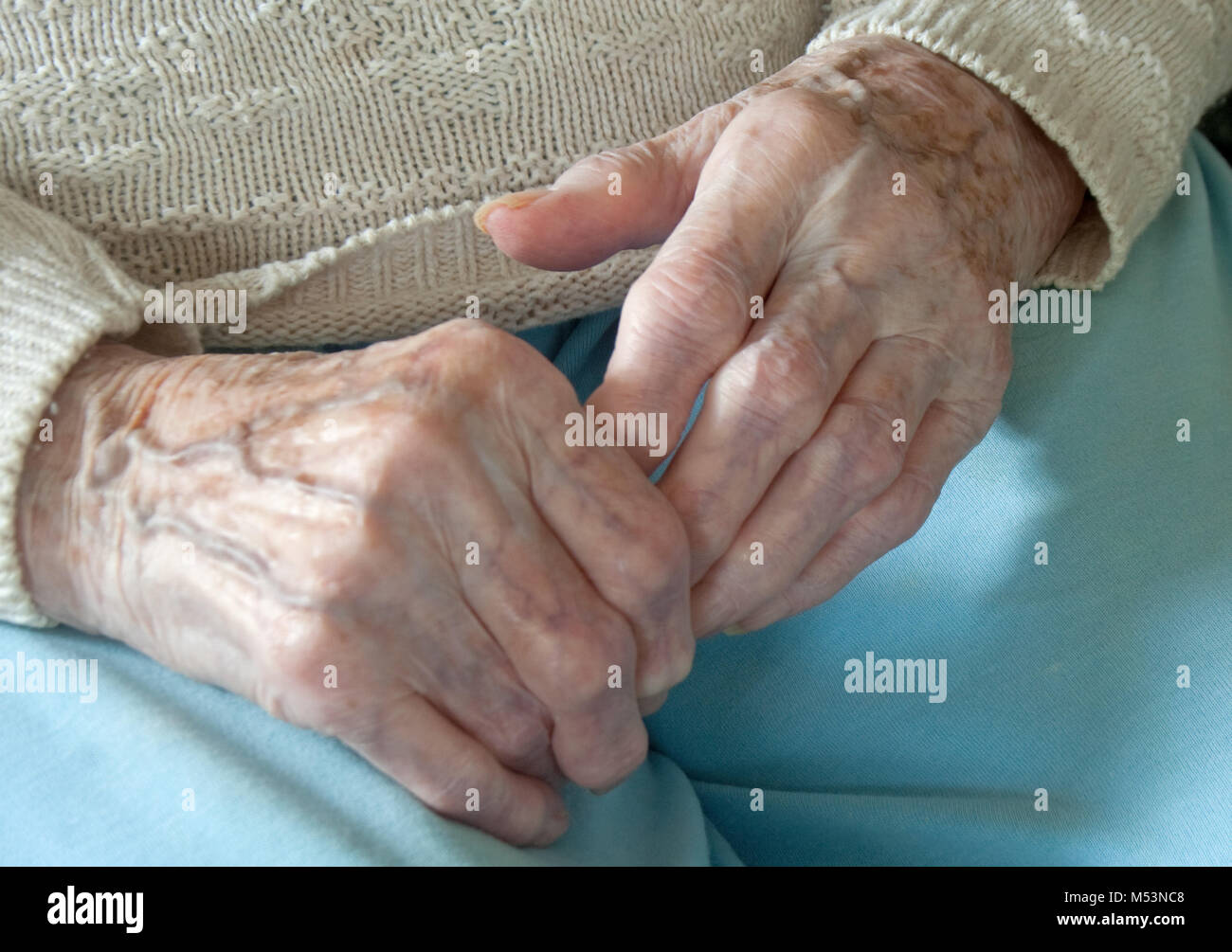 Crooked Fingers Stock Photos & Crooked Fingers Stock Images - Alamy