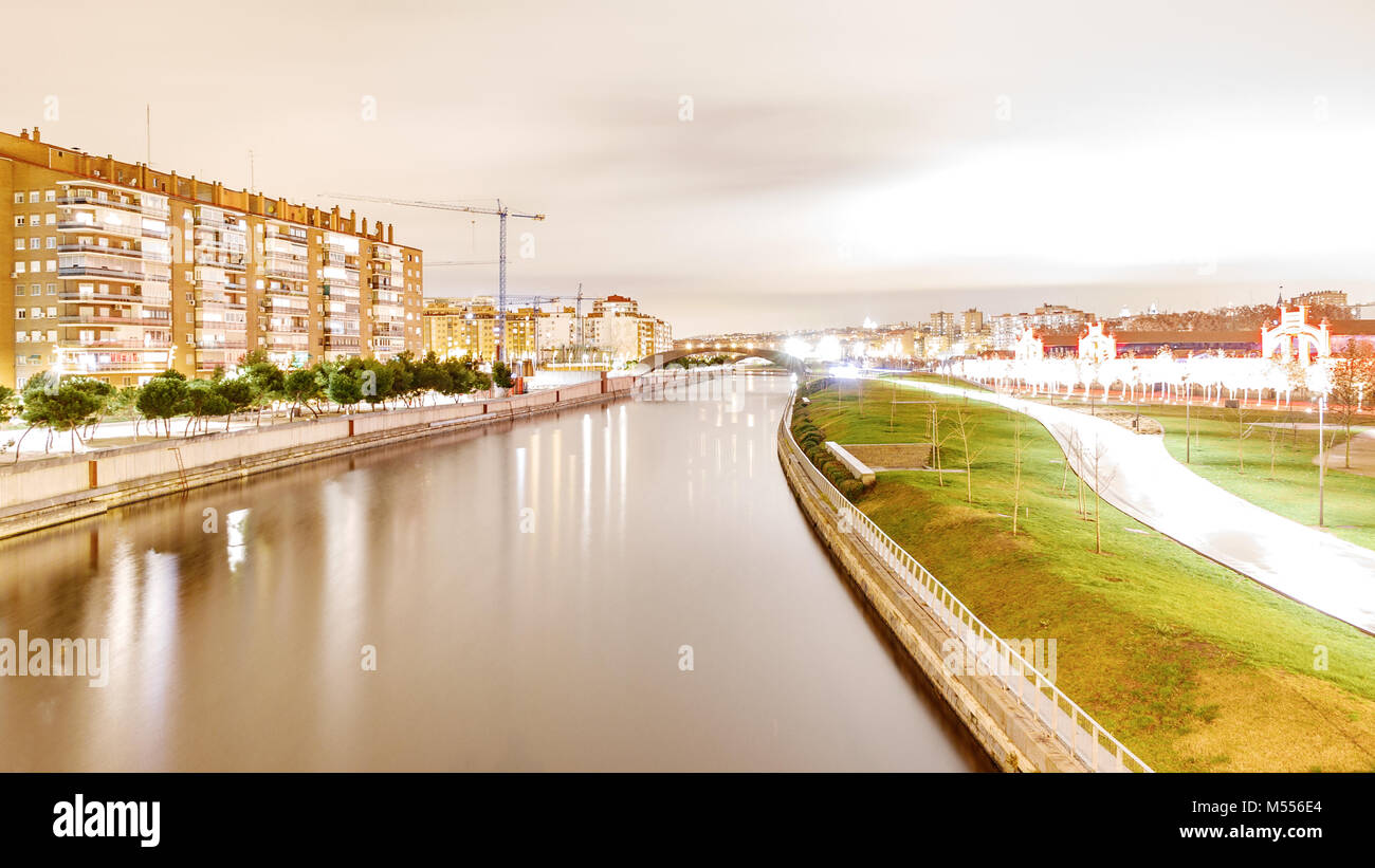 Madrid Manzanares river by night - Stock Image