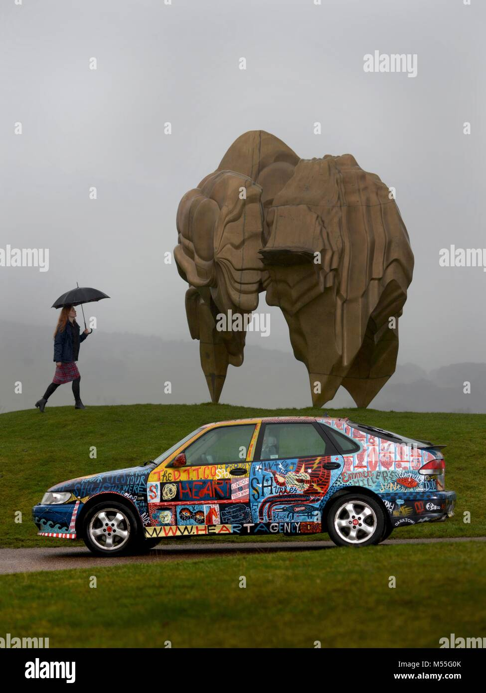 Yorkshire Sculpture Park, West Yorkshire, UK. 19th February, 2018. Helen Tulloch of Yorkshire Sculpture Park with - Stock Image