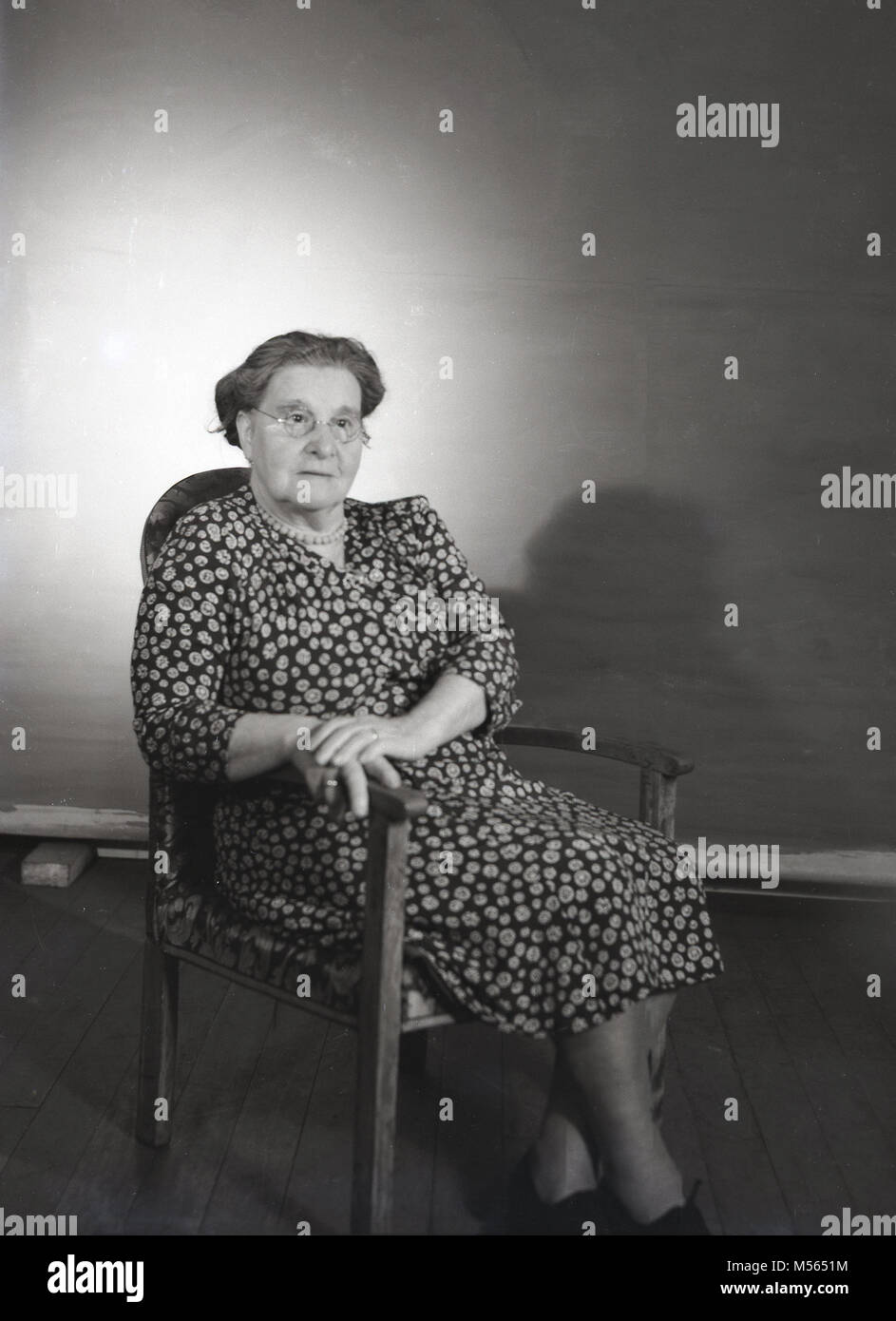 1960s, historical, a portait of an elderly English lady. - Stock Image
