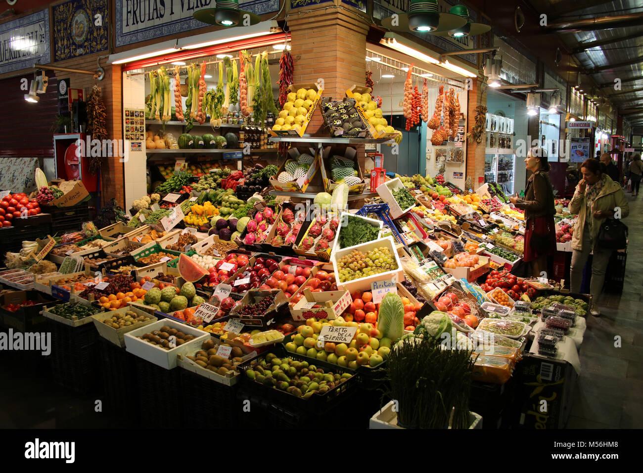 Market hall Mercado de Tirana - Stock Image