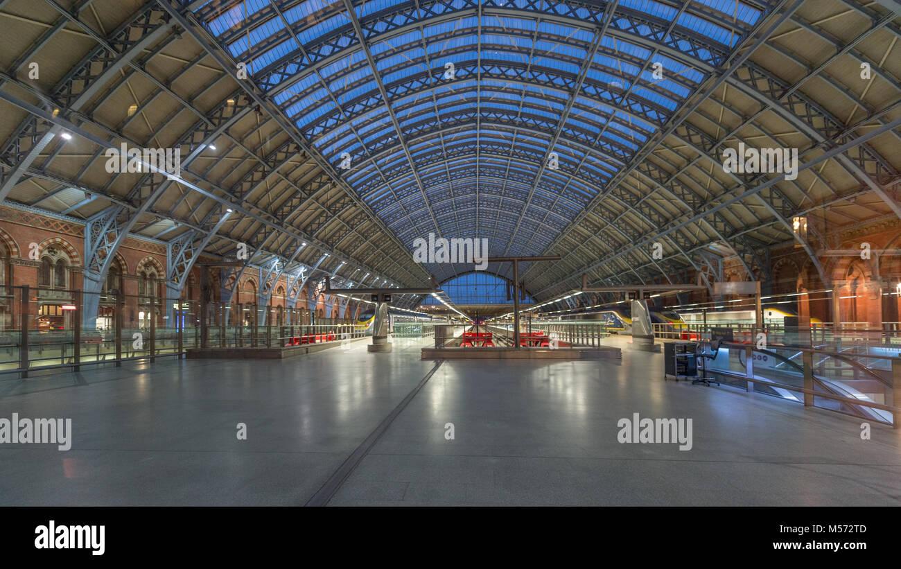 St Pancras Station Interior Dome Ceiling: London, UK Stock Photo