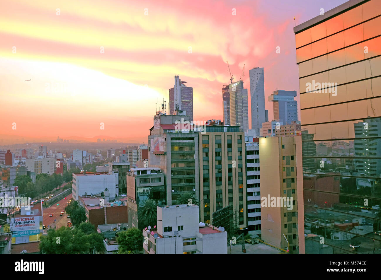Sunset from the Zona Rosa neighborhood in Mexico City, Mexico - Stock Image