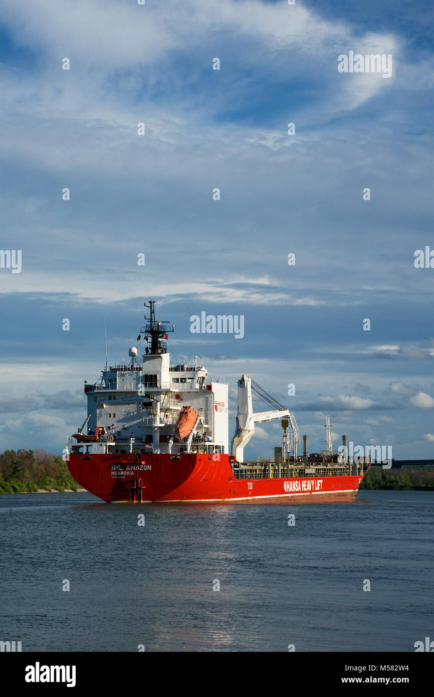 The HHL Amazon General Cargo Ship passing through the Welland Canal - Stock Image