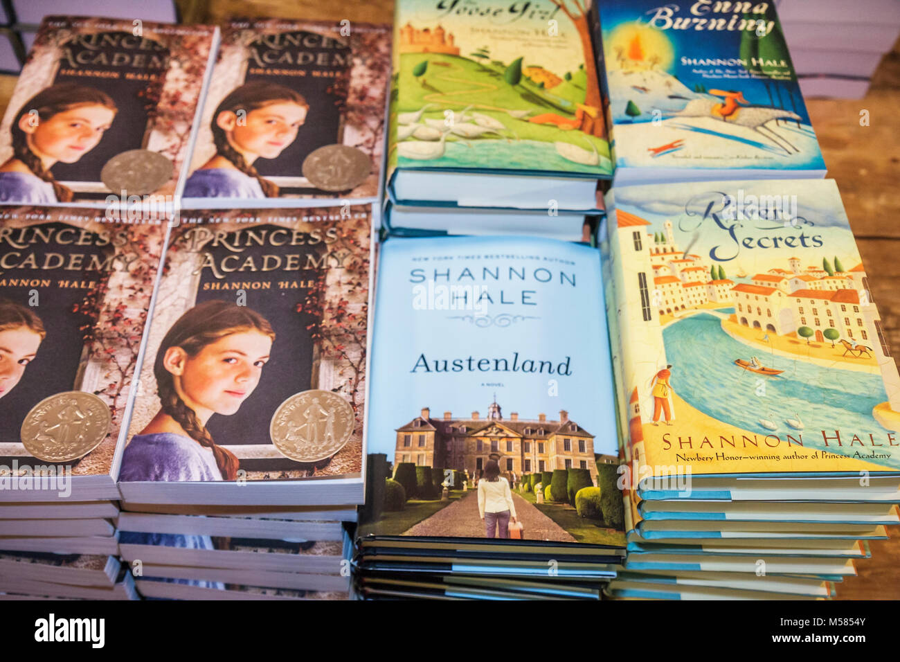 Coral Gables Books and Books Shannon Hale young adult fiction authors literature Austeland Princess Academy River - Stock Image