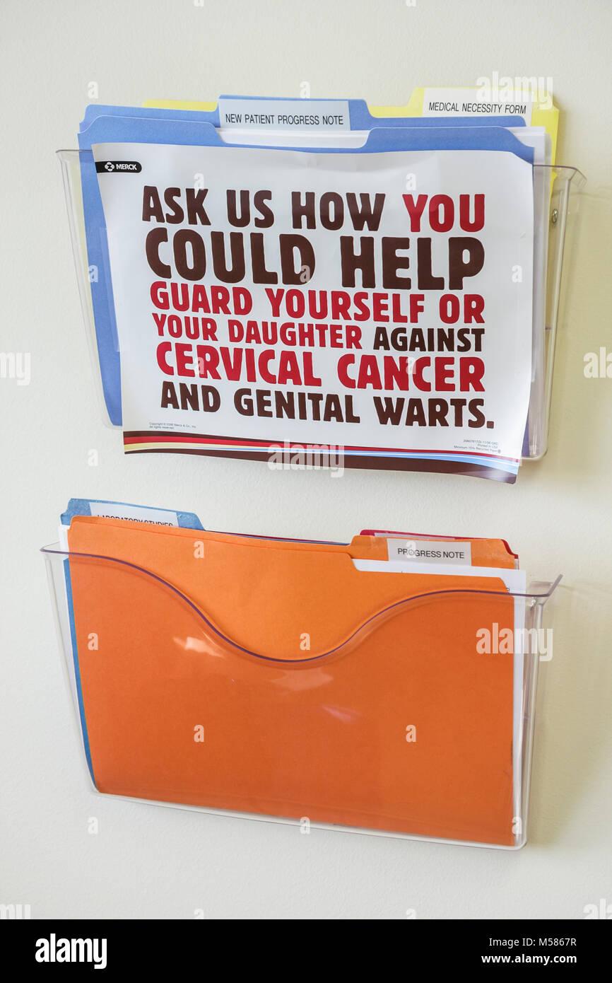 Mount Mt. Sinai Medical Center Centre hospital healthcare medical health education information cervical cancer genital - Stock Image
