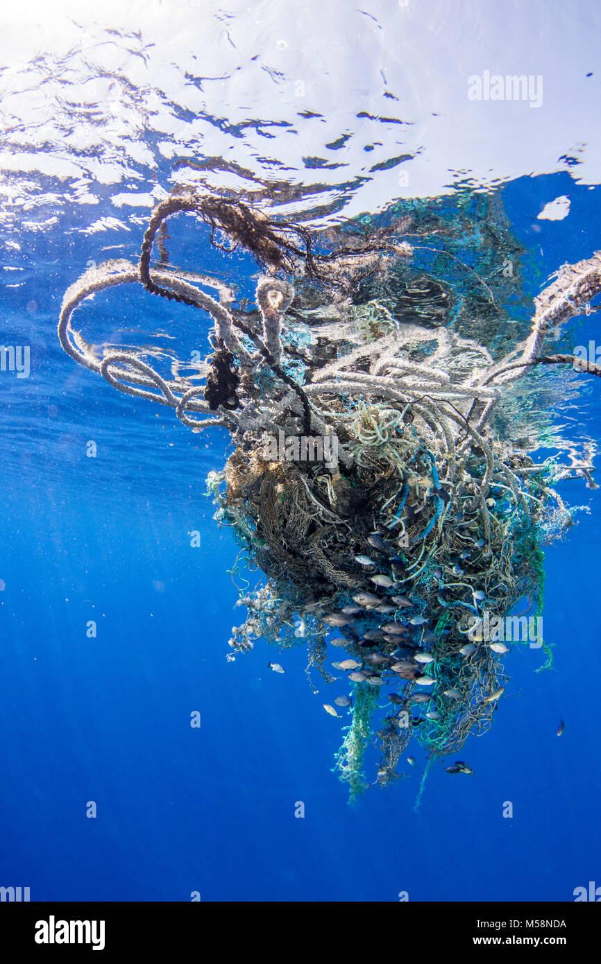 Currents accumulate marine debris in areas around the global ocean. - Stock Image