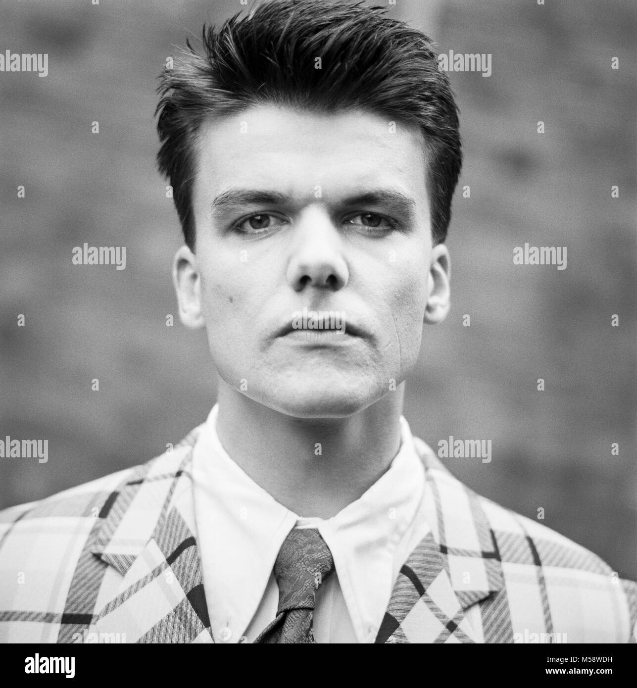 Dr. Robert, Bruce Robert Howard, Lead singer with the Blow Monkeys, archival photograph, 16 June 1989, made for - Stock Image