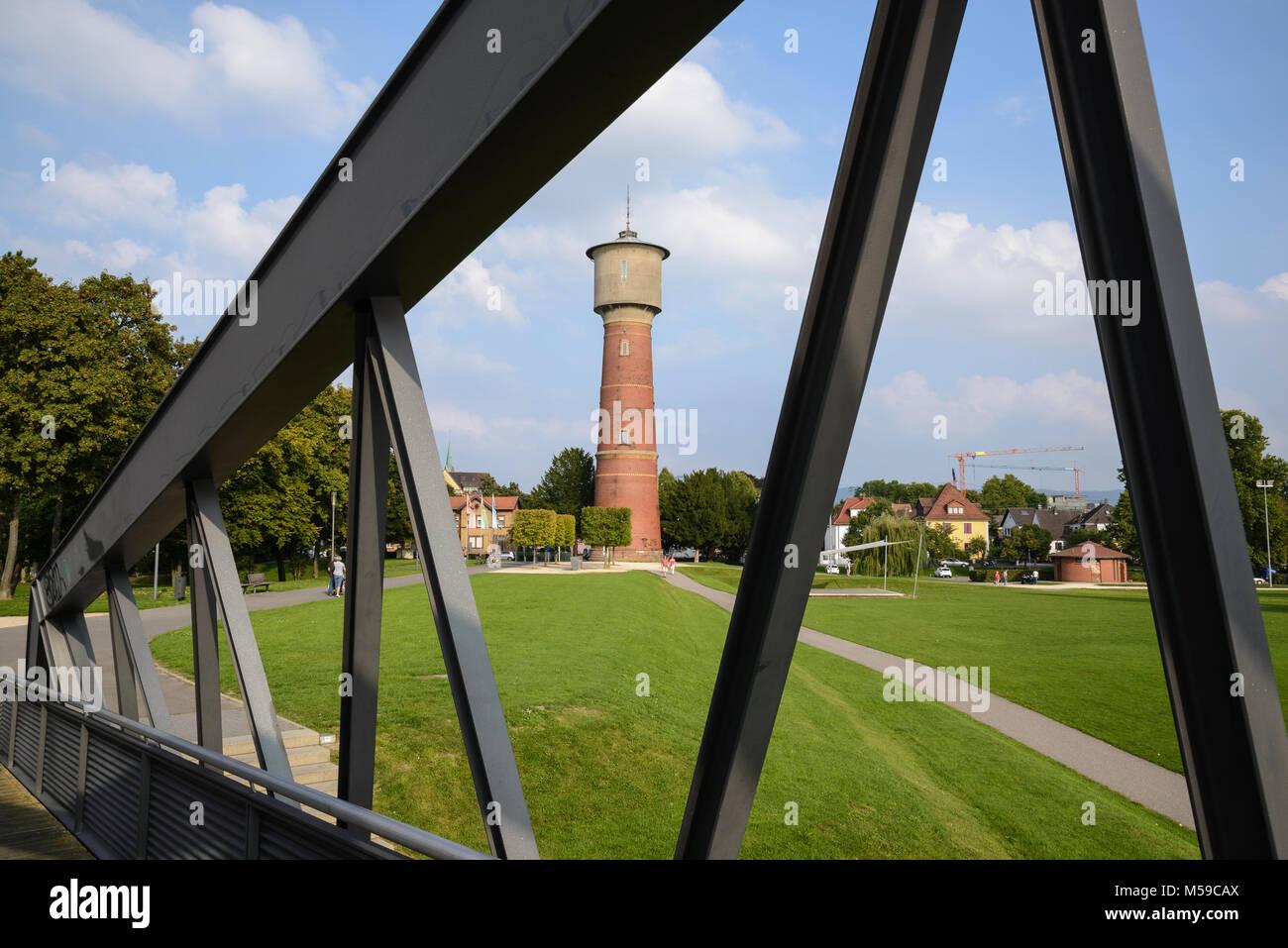 Wasserturm am Neckarufer, Ladenburg, Neckar, Baden-Württemberg, Deutschland - Stock Image