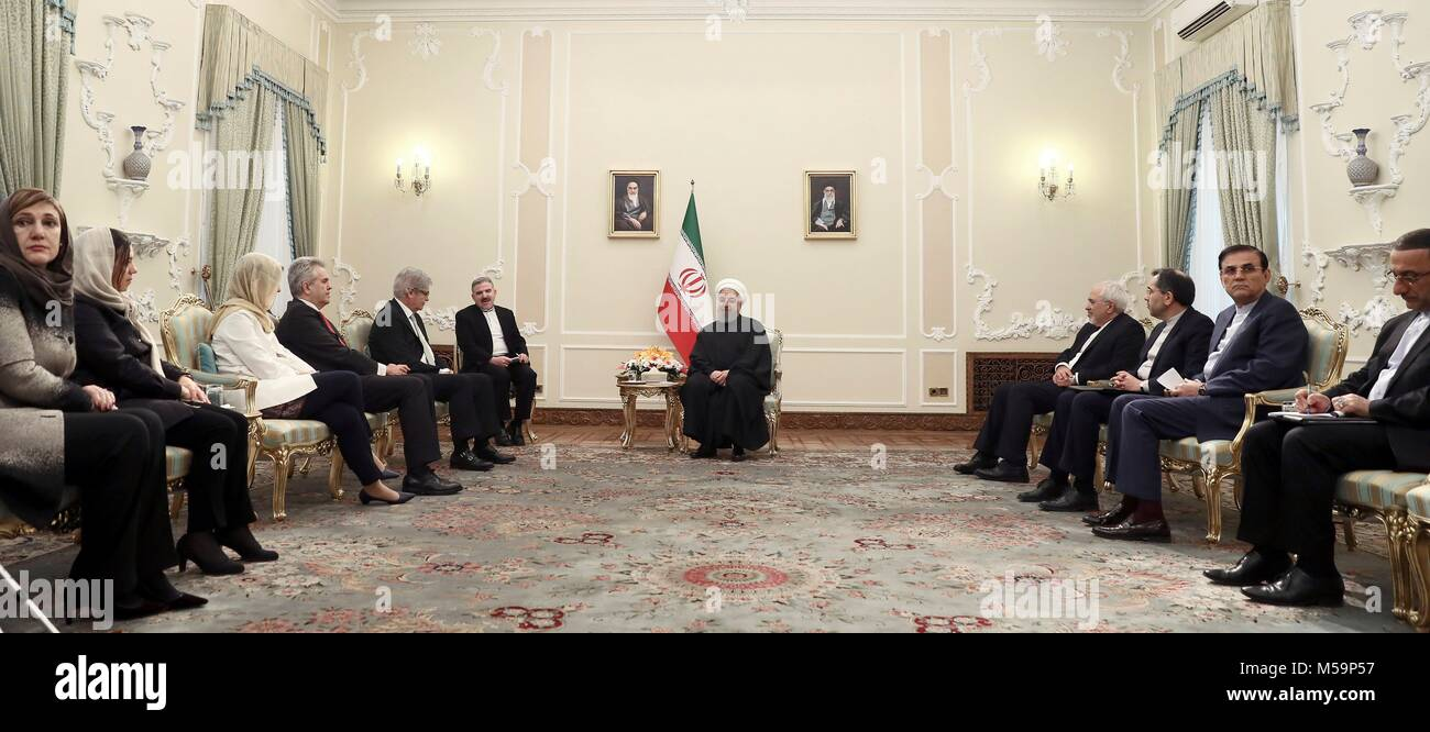 Iranian President Hassan Rouhani (C) holds a meeting with Spanish Foreign Minister, Alfonso Dastis (5L), in Teheran - Stock Image
