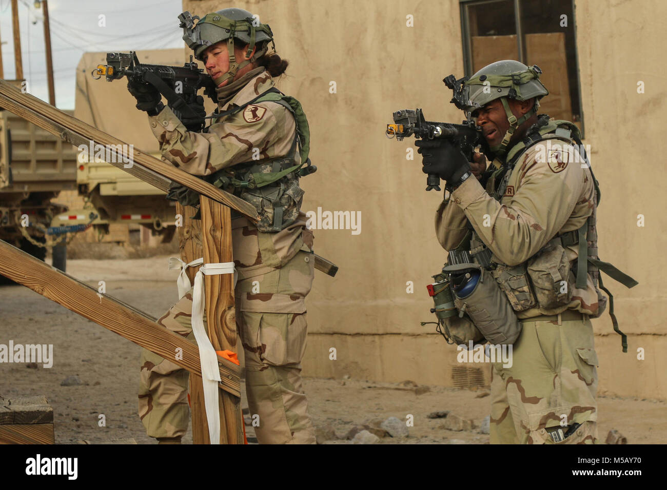 Fort Irwin Calif 11th Armored Cavalry Regiment Troopers Defend Stock Photo Alamy