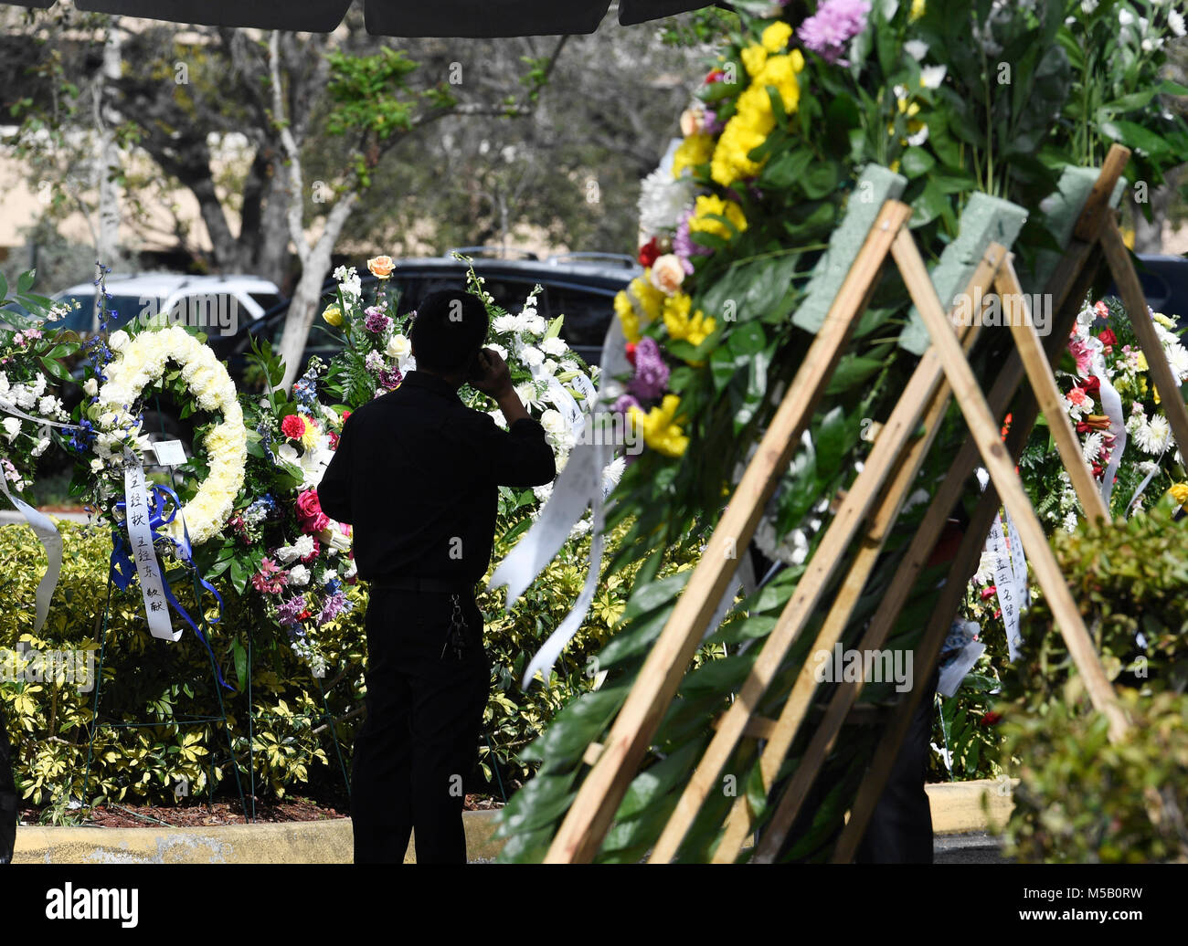 January 18 2018 Parkland Florida Usa A Mourner Takes Pictures