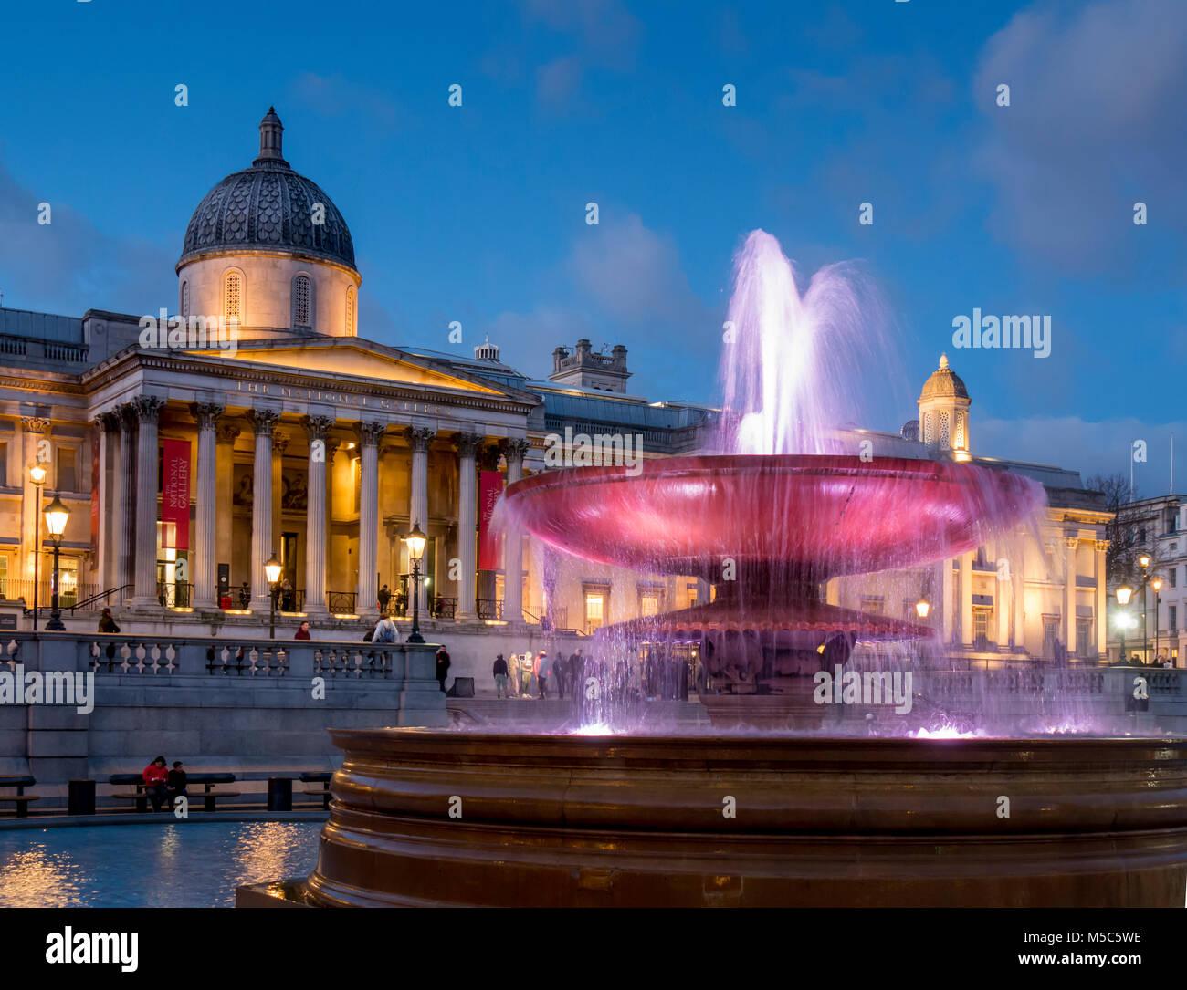 UK, england, London, Trafalgar Sq National Gallery dusk - Stock Image