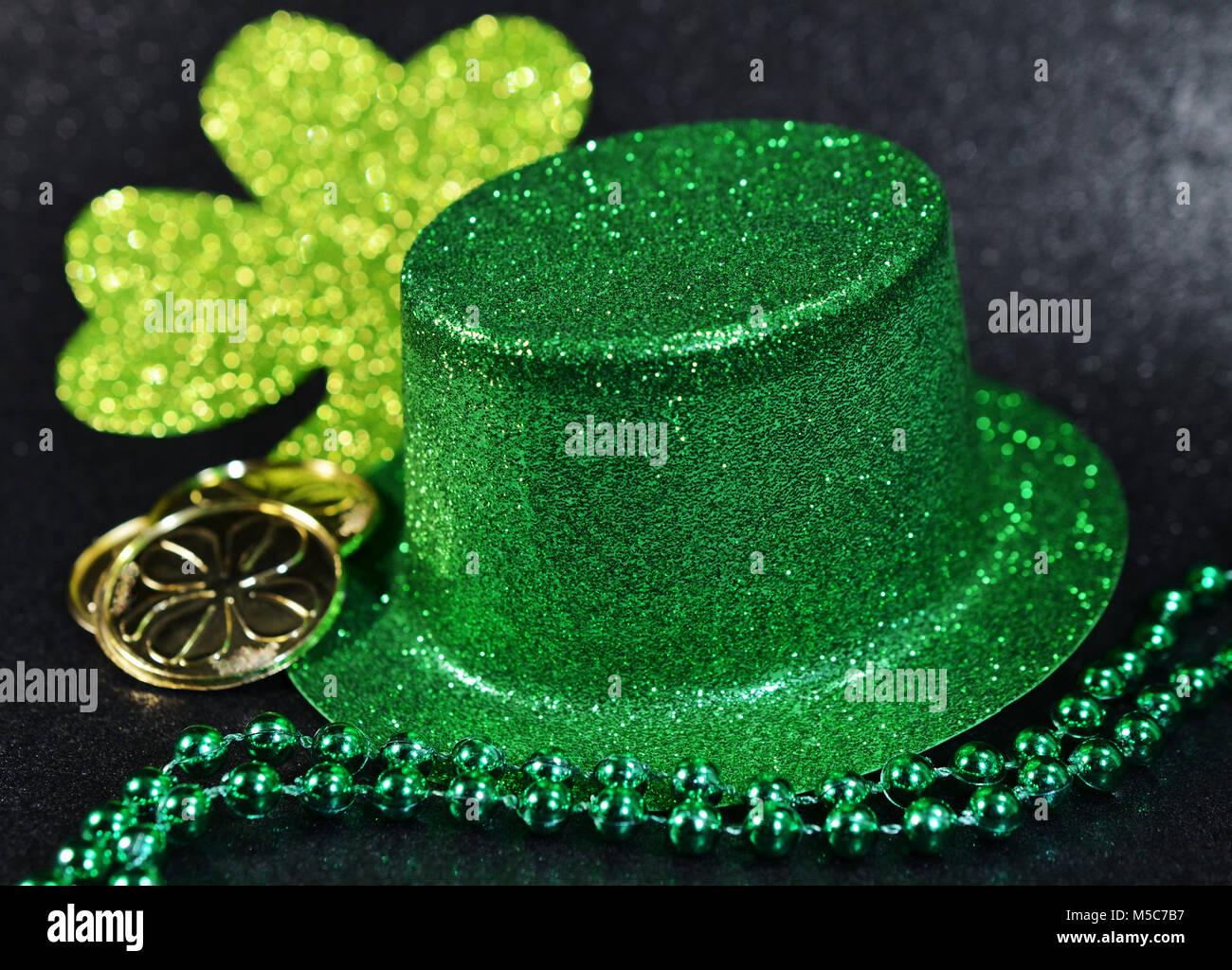 St Patricks Day Irish Fun Socks Lucky Green Clover Irish Socks 'TO BE SURE'