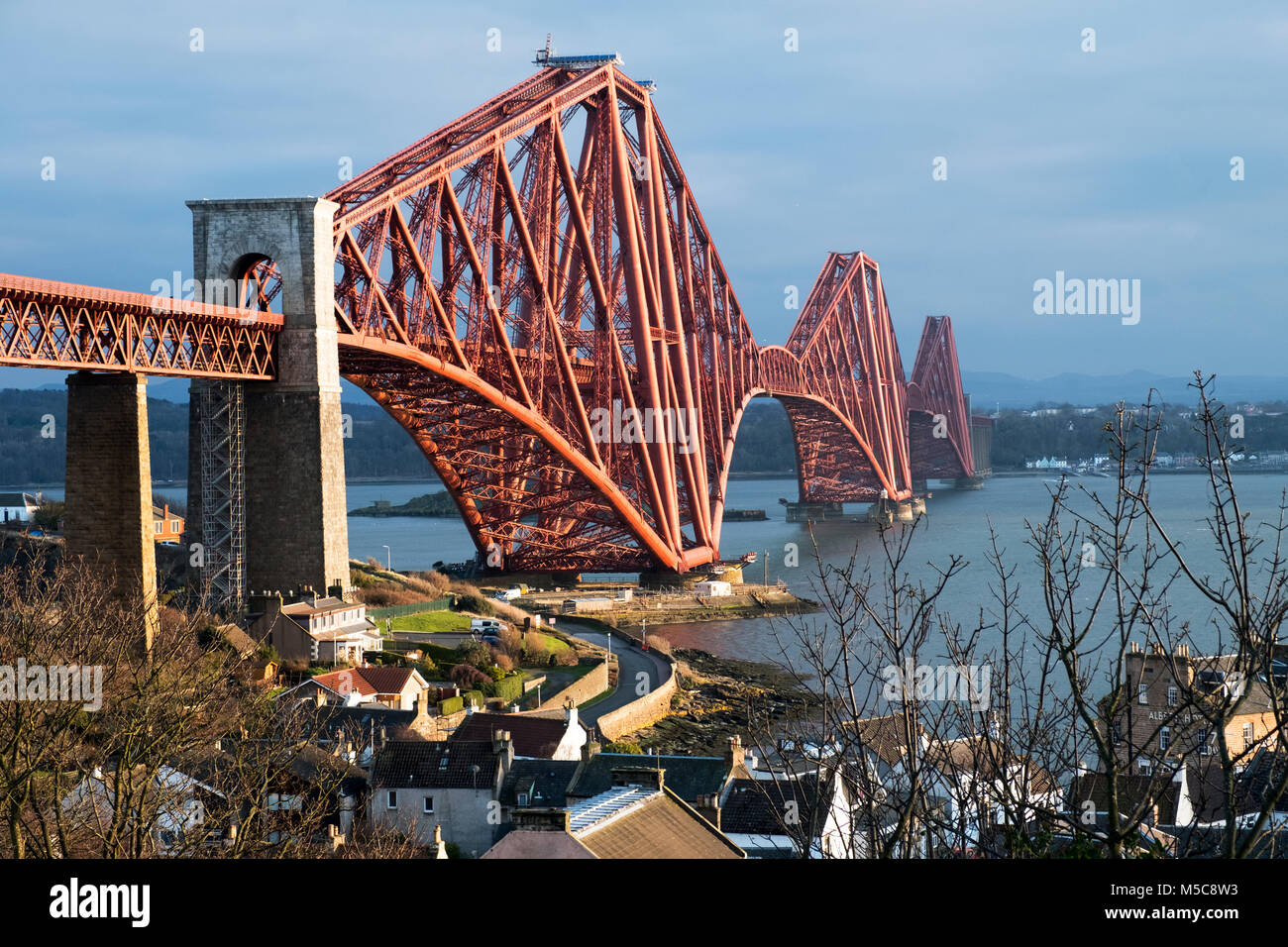 The Forth Rail bridge viewed from North Queensferry spans the Firth of Forth between North and South Queensferry, - Stock Image