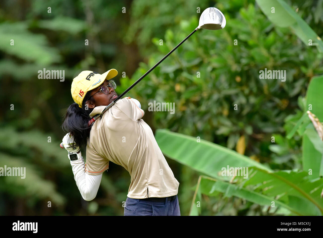 Danau, UKM Bangi - FEBRUARY 10: Hastha Rajendran takes her tee shot on the 11th hole during Round One of the Danau - Stock Image