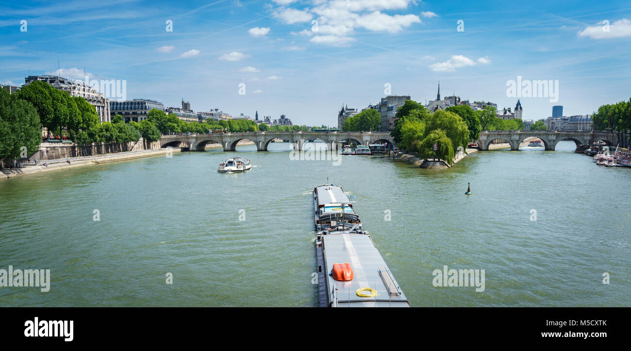 Boat over Seine river, Paris - Stock Image