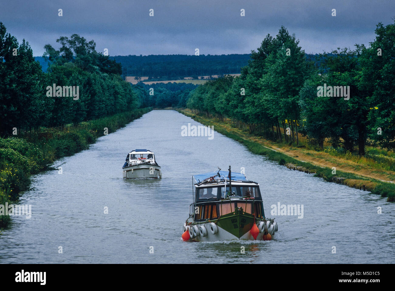 France Canal du Nivernais in Burgundy. 2000 - Stock Image