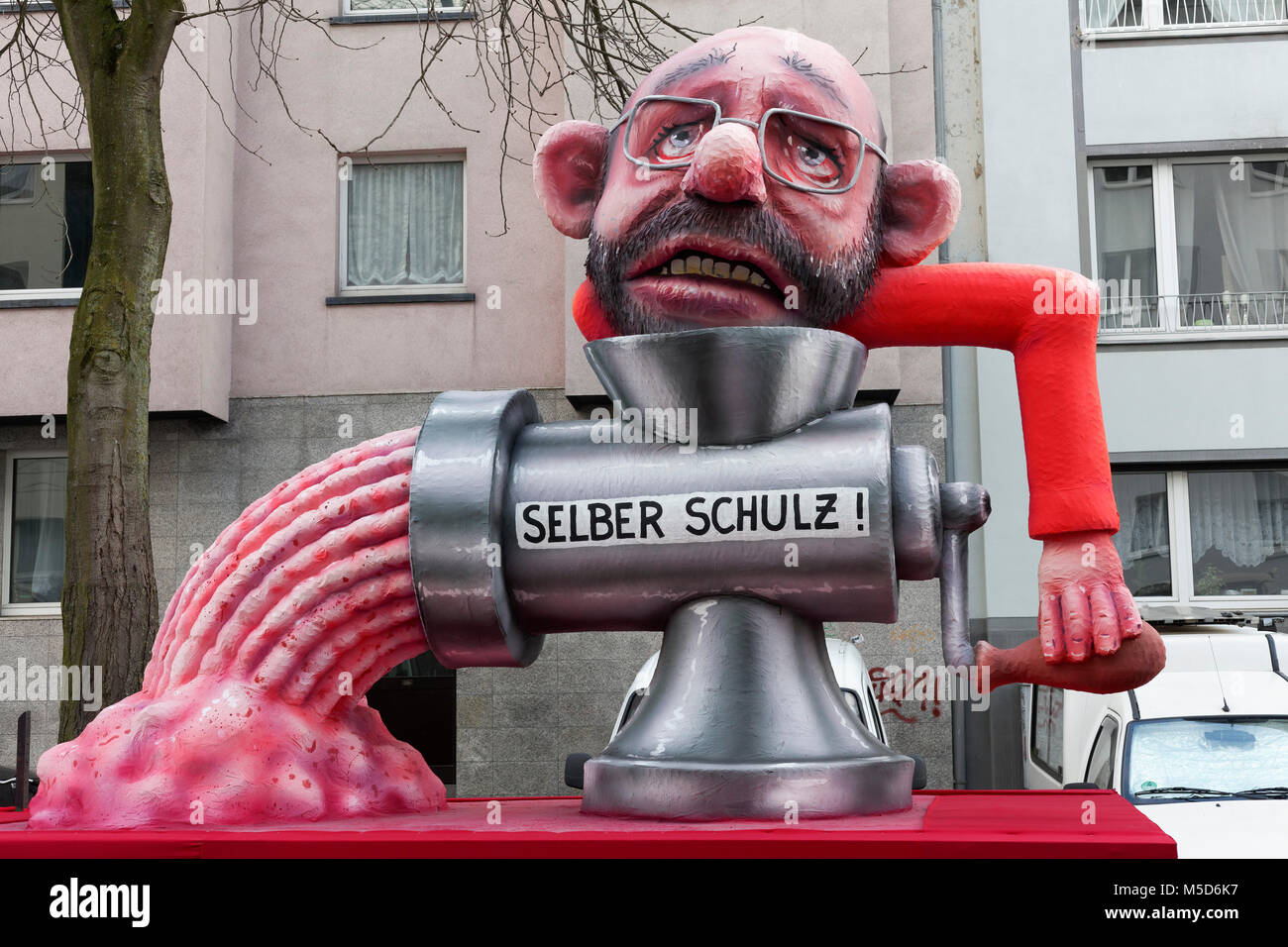 SPD former party leader Martin Schulz turns himself through the meat grinder, political cartoon, motto caravan during - Stock Image