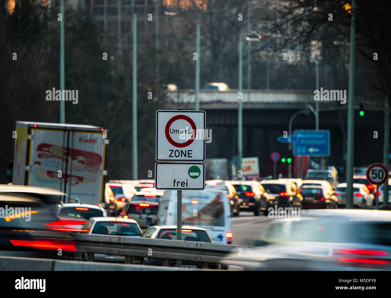 22 February 2018, Germany, Frankfurt am Main> The rush-hour traffic across the B648/Theordor-Heuss-Allee. The - Stock Image