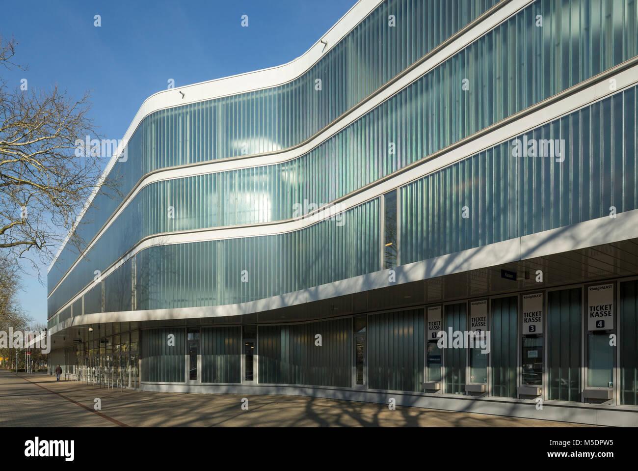 Krefeld, Königpalast, 2004vom Architekturbüro  RKW Rhode Kellermann Wawrowsky erbaut, Veranstaltungshalle und Eishockeyarena Stock Photo
